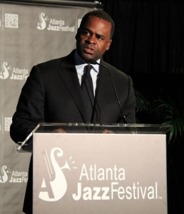 Atlanta Mayor Kasim Reed addresses the guests at the preview party for the Atlanta Jazz Festival. Credit: itsrobinlori.com