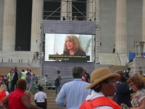 Laura Turner Seydel talks to the crowd