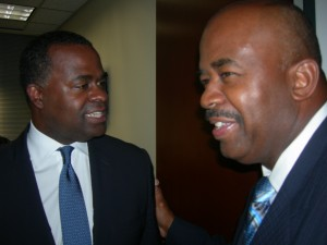Mayor Reed talks with Rev. Turner of Mount Vernon after press conference