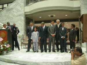 Members of the C.T. Vivian Leadership Institute thank their leader