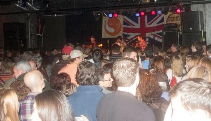 Photo of crowd at Beatles vs. Stones