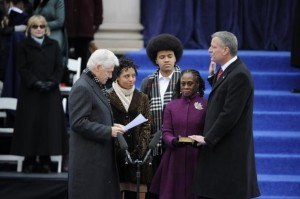 Former President Bill Clinton administered the oath of office to New York City Mayor Bill de Blasio, as the de Blasio family watched. Credit: nydailynews.com