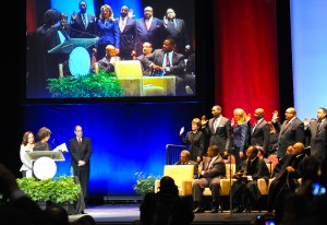 Members of the Atlanta City Council take their oath of office from Judge Gail S. Tusan, chief judge-elect of the Fulton County Superior Court. Credit: Donita Pendered