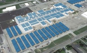New Generation Power installed this solar array atop a former shopping mall that's been converted into a data center, according to the company's webpage. Credit: newgenpower.com
