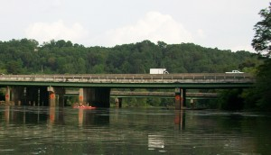 A short distance north of the Civil War pontoon bridge at Paces Ferry, this modern bridge transports vehicles on I-285 across the Chatthoochee River. Credit: David Pendered
