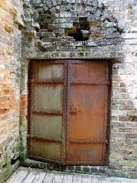 Godfrey Barnsley's safe, built into the Woodlands manor and part of the ruins at Barnsley Gardens. Credit: Recollections of a Vagabonde blog