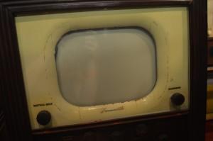 An early Farnsworth TV.