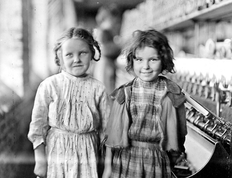 Child workers in the Tifton mill, 1909. Eddie Lou Young, one of Catherine Young's daughters, is on the right. Credit: Photo by Lewis Hine, Library of Congress