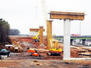 Columns, Northwest Corridor