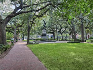 Madison Square in Savannah. Credit: www.betweennapsontheporch.net