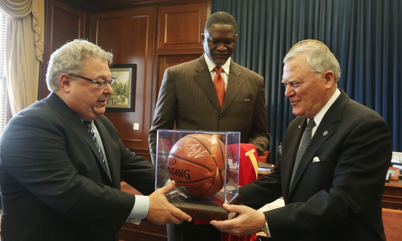 Hawks with Gov. Nathan Deal