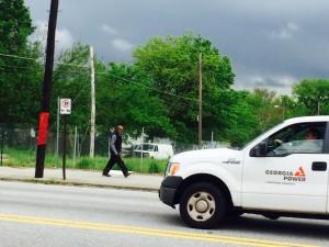 Donald Lee Hollowell Parkway, pedestrian