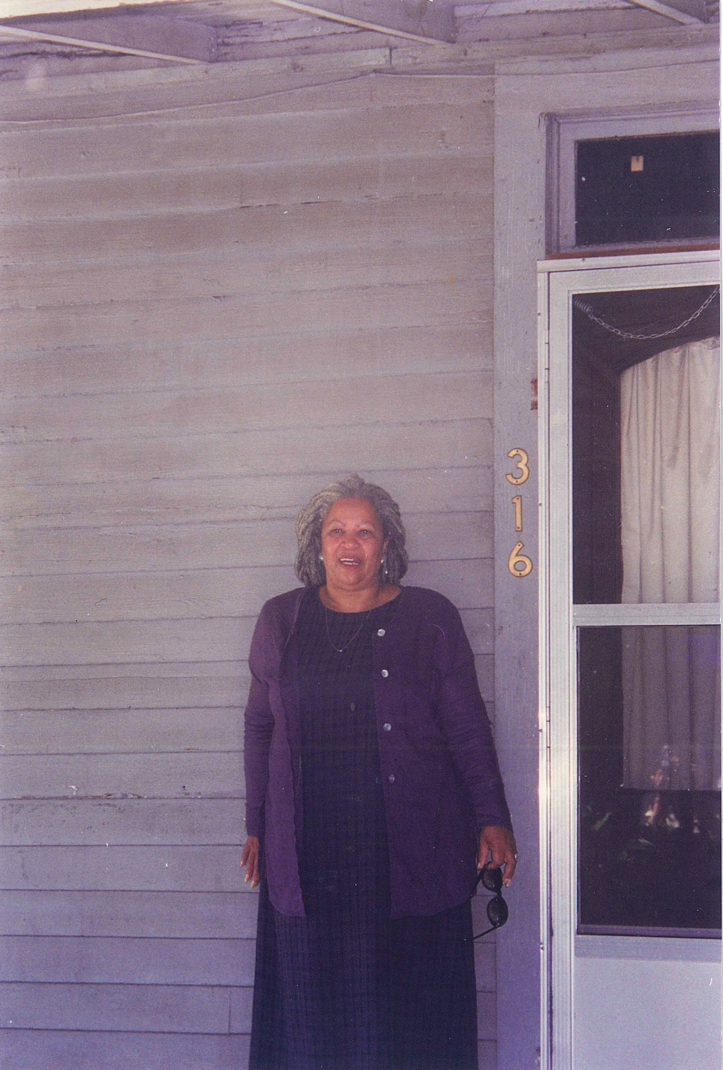 Novelist Toni Morrison, in 1998, outside the house in Cartersville where her father grew up. Credit: Pearl McHaney