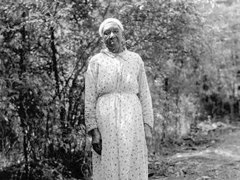 Josephine Hill, a former slave, photographed in 1937 or 1938 for the slave narrative collection, part of the Federal Writers' Project. Credit: Library of Congress, Prints and Photographs Division