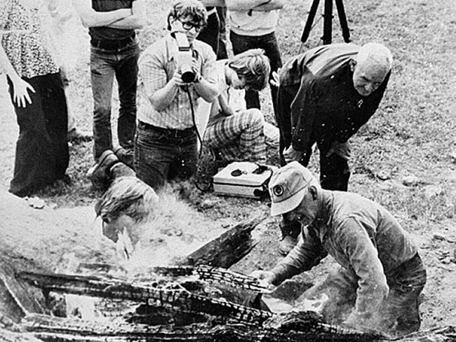 Foxfire students documenting Rabun County men making pine tar, 1970. Credit: Georgia Archives, Vanishing Georgia Collection