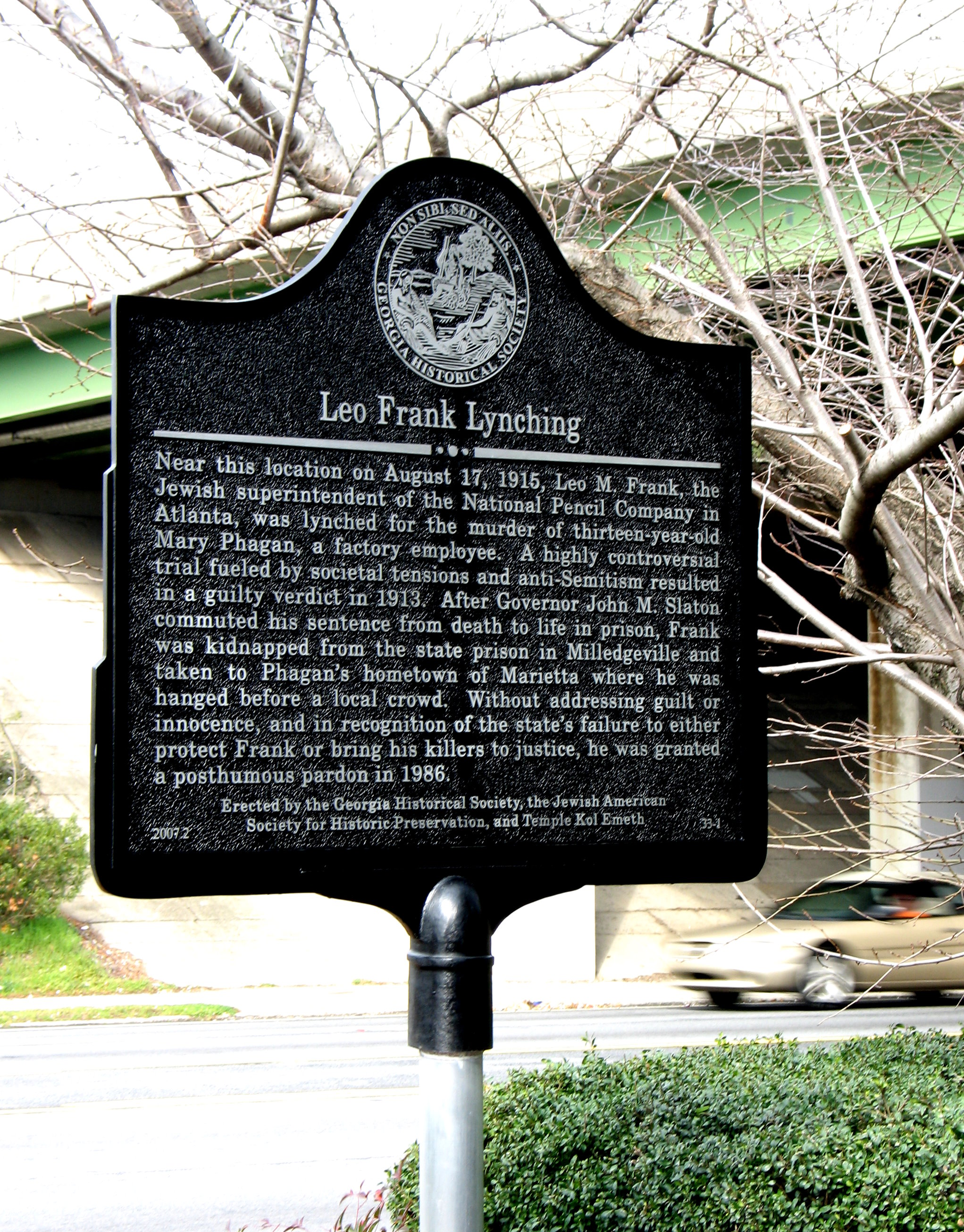 Historical marker on the site of Leo Frank's lynching.