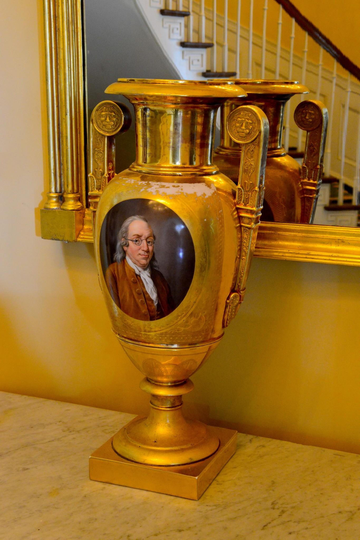Benjamin Franklin vase. Photo by Christopher Oquendo