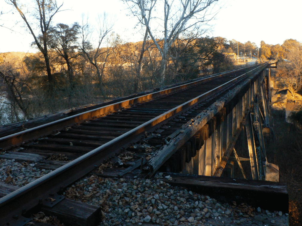 Wendell Burks shares: Out of Service CSX (former Seaboard Air Line Railroad) bridge across the Chattahoochee looking south toward Atlanta near Standing Peachtree Park. This 5.5 mile stretch of railroad extends from Collier Rd to the Silver Comet Trail and is the hope for a future extension of the Silver Comet Trail. ConnecttheComet.org.