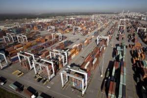 Savannah port, gantries