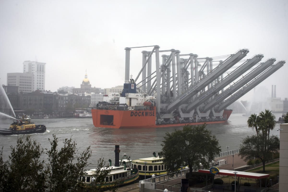 Cranes delivered, Savannah port