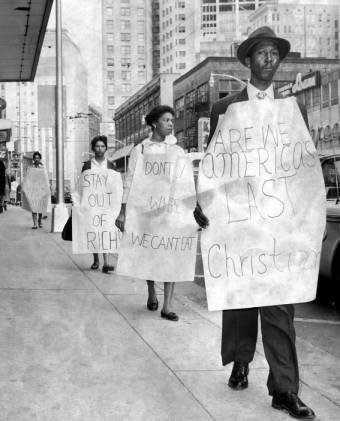 After the arrests, demonstrators marched outside Rich's. Courtesy of the Digital Library of Georgia
