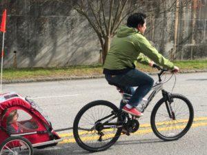 bikes, baby trailer
