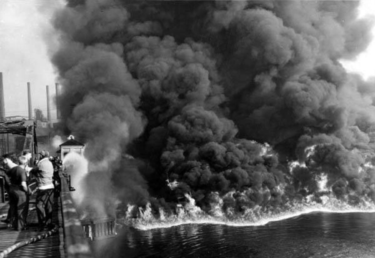 Cuyahoga River fire, 1952