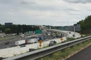 A few commuters avail themselves of the toll lanes along the Northwest Corridor as trip times begin increasing at the onset of the afternoon rush on northbound lanes. Credit: David Pendered