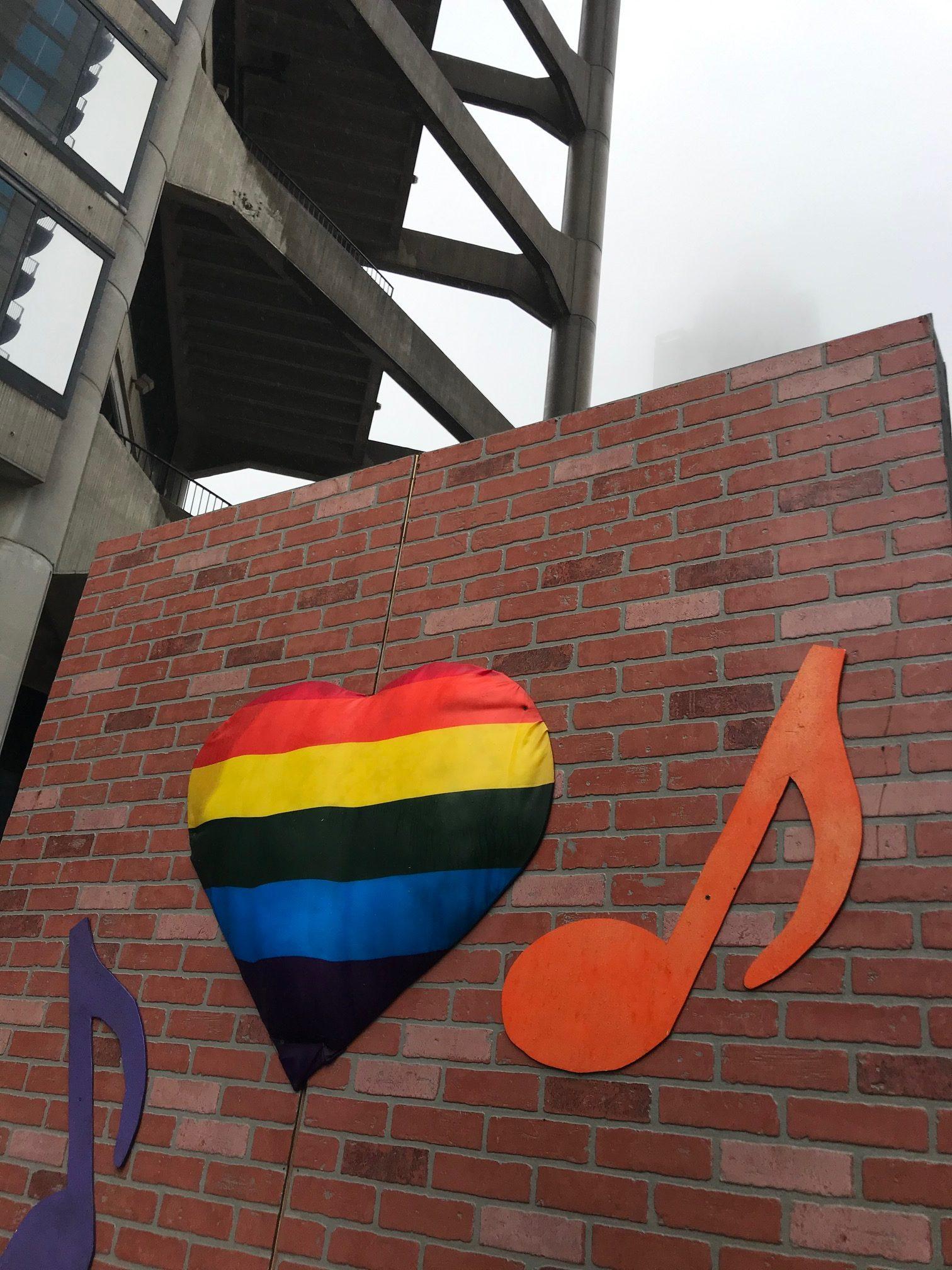PrideParade19_25