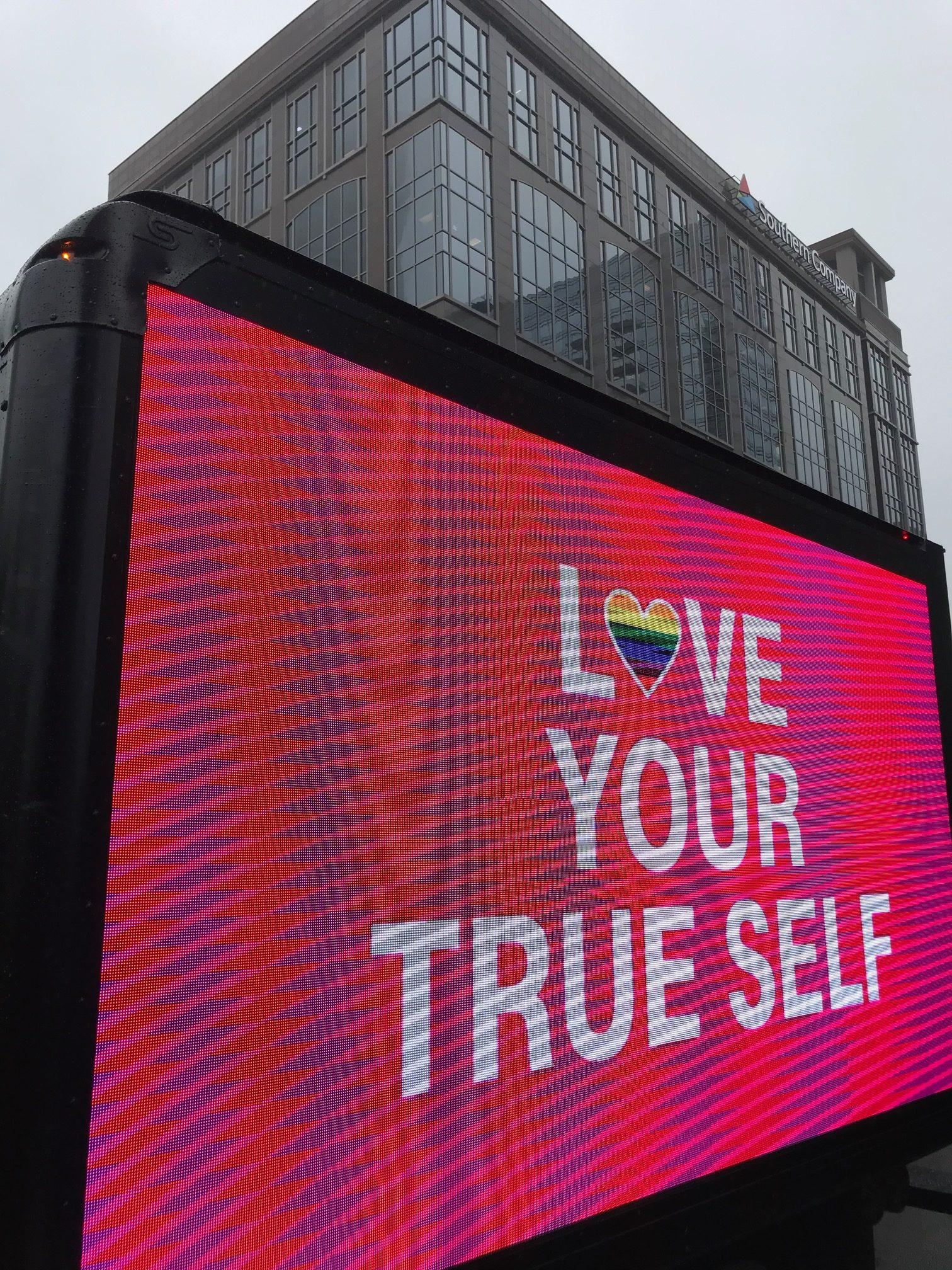 PrideParade19_28