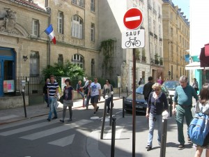 The safety of pedestrians and cyclists is apparent even on the smallest of streets in Paris.