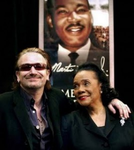 Bono and Coretta Scott King at Salute to Greatness Dinner (courtesy Nicholas Wolaver)