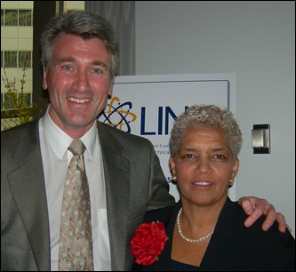Minneapolis Mayor R.T. Rybak greets Atlanta Mayor Shirley Franklin